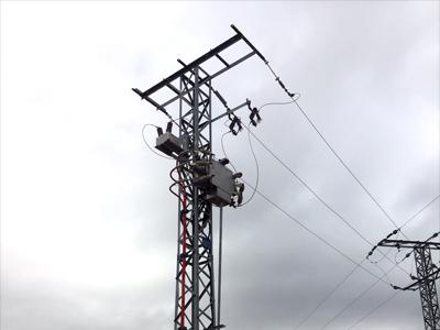 Instalación de linea de alta tensión y centro de transformación
