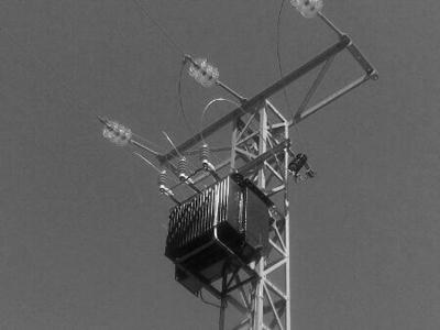 Instalación de transformador aéreo en Cuenca