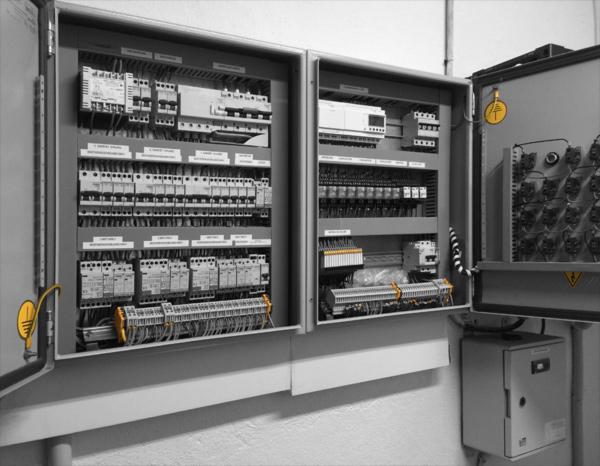 Montaje de cuadros de distribución eléctrica en Hotel Buenavista, Cuenca